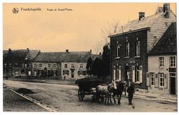 Froidchapelle - Poste Et Grand'Place. - Froidchapelle