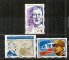 LA VICTOIRE 1945. GENERAL DE GAULLE  3 Timbres Neufs ** FRANCE - WO2