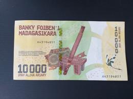 MADAGASCAR  10000 FRANCS 2019 - Madagascar