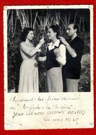 PENDANT LES PRISES DE VUES DE BUFFALO & LA BERGERE   JEAN CLEMENT  COIFFFANT  ARLETTY  -  PHOTO CANNES 1948 - Beroemde Personen