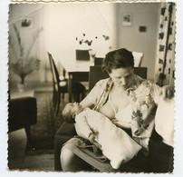 Superbe Portrait Carré Femme Woman Allaitement Breastfeeding Bebe Nouveau-né - Persone Anonimi