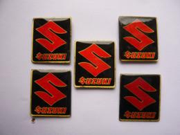 5 Pin S Identiques LOGO MOTO SUZUKI 2 X 1,8 Cm - Motorfietsen