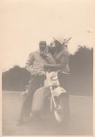 10963.  Foto Vintage Uomo E Donna  Con Scooter Moto Aa '50 Italia - 10x7 - Anonymous Persons