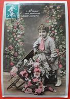 Cpa - Joli Petit Garçon  Brouette De Fleurs  - Nice Little Boy Flowers - Andere