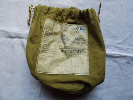 PETIT SAC EN TOILE COUSU MAIN CONTENANT TABAC (années 40-45 ?) - U.R / 23° RIC - Equipment