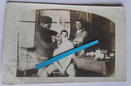 1914 1918 Barbier Coiffeur Retour Des Lignes  Poilu Tranchée 14 18 Photo Ww1 - Guerra, Militares
