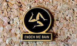 Pin's MUSIQUE - ENOCH MC BAIN - Peint Cloisonné - Fabricant Inconnu - Music