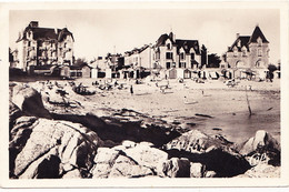 La Plage Et Le Port - Lin - Le Croisic
