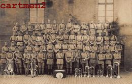 CARTE PHOTO : LE 158e REGIMENT FANFARE MILITAIRE PRES DE STRASBOURG ALSACE CASERNE MUSIQUE MILITAIRE GUERRE - Reggimenti