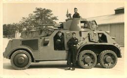 BLINDE ALLEMAND ET SOLDATS ALLEMANDS  MALACKY MARYNIAK PHOTO ORIGINALE 13.50 X 8.50 CM - Guerra, Militari