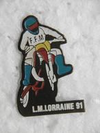 Pin's - Motos - MOTO L.M. FFM LORRAINE - Pins Badge Moto Cross - Motorfietsen
