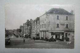 53 : Laval  - Rue De La Gare  ( Hôtel Du Chemin De Fer ) - Laval