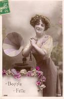 Bonne Fete  Femme Et Un Gramophone - Autres