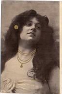Portrait De Femme Rehaussée Or à La Main  (120937) - 1900-1949