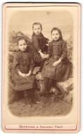 Photo Metenier & Arloing, Vichy, Portrait De Drei Kleine Fille In Hübschen Kleidern - Persone Anonimi