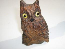 Chouette Sculptée En Bois - Hauteur 13 Cm  Longueur 8 Cm   - Travail Artisanal - Legni