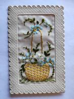 Cpa, Carte Brodée, Fleurs Dans Un Panier - Embroidered