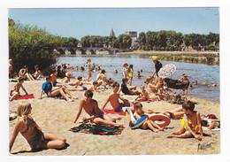 45 Beaugency N°1 223 Plage Rive Gauche Loire Tour St Firmin César En 1976 Baigneurs Baigneuses Maillots Landau Ancien - Beaugency