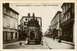 17 - Reproduction - SAINT-JEAN-D'ANGELY - La Fontaine Du Pilori - Royan