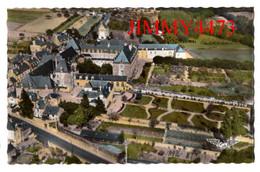 CPSM Dentelées - BAUGE - L'Hôpital Où Se Tient La Pharmacie ( Arr. De Saumur 49 Maine Et Loire ) N° 10 - Edit. ARTAUD - Andere Gemeenten