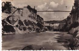 01, Barrage De Génissiat, Passerelle Sur Le Rhône Et Vue Aval Du Chantier - Génissiat