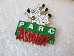 PIN'S   PARC  ASTERIX  IDEFIX - Comics