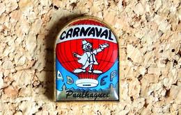 Pin's BALLON MONTGOLFIERE - ADEP Carnaval De Paulhaguet 43 Clown - Verni époxy - Fabricant Inconnu - Airplanes