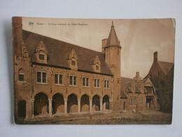 Bruges. La Cour Intérieure De L'Hôtel Gruuthuse - Brugge