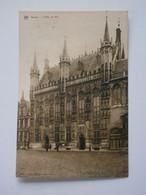 Bruges. L'Hôtel De Ville. - Brugge