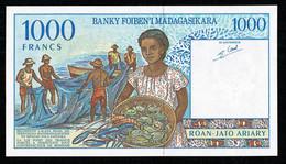 """Banque De MADAGASCAR Superbe Billet De 1000Francs """"Pêcheurs"""" Alpha B  Pick 76b SPL/AU  Aucun Pli - Madagascar"""