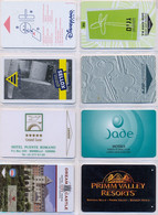 HOTEL : H041 8 HOTEL KEY CARDS AS PICTURED USED - Cartas De Hotels