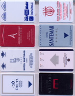 HOTEL : H026 8 HOTEL KEY CARDS AS PICTURED USED - Cartas De Hotels