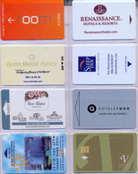HOTEL : H014 8 HOTEL KEY CARDS AS PICTURED USED - Cartas De Hotels