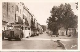RARE !!! BARJOLS (83) Boulevard Grisolle - Arrêt Des Autocars - Barjols
