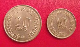 Lot De 2 Pièces De Singapour, Singapore : 10 Cents (1971) & 20 Cents (1980). - Singapore