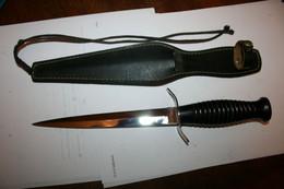 COUTEAU DE LANCER STYLE POIGNARD COMMANDO BERET ROUGE ANCIEN LONGUEUR 29 CM LONGUEUR LAME 18 CM - Knives/Swords