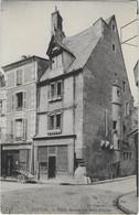 NEVERS    VIEILLE MAISON RUE SAINT ETIENNE - Nevers