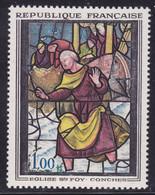Rouge Décalé Sur Vitrail  Sur  N° 1377( 2101/12.6) - Curiosités: 1950-59 Neufs