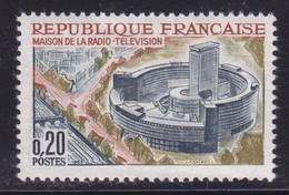 Arbres Rouges Autour De La Maison De La Radio Sur  N° 1402( 2101/13.4) - Curiosités: 1950-59 Neufs