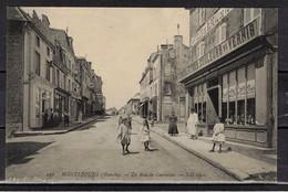 CPA 50 -  MONTEBOURG    ( Ref 50 - 1023 ) La Rue De Carentan - Unclassified