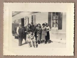 PHOTO 84 - SAINTE-CECILE-LES-VIGNES Ou CAIRANNE - TB PLAN Photo Famille Devant Maison Ferme - Sonstige Gemeinden