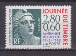 """FRANCE / 1995 / Y&T N° 2933 ** : """"Journée Du Timbre"""" (Cinquantenaire De La Marianne De Gandon) De Feuille X 1 - Unused Stamps"""