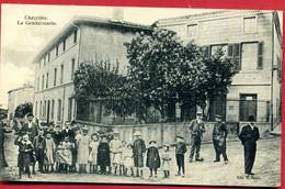 CPA 42 Loire Chazelles-sur-Lyon Gendarmerie Enfants - Sonstige Gemeinden