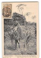 CPA Congo Français - Haute Sanga - Vieille Femme N'Goundi Dans Une Plantation - French Congo - Other