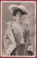 France 1 CP Portrait De Femme ( Certaines Signées) Années  Entre 1903 Et 1907 Lot N °32 - Silhouettes