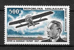 MADAGASCAR Afrique : Poste Aérienne N° 101 ** TB (cote 10,25 €) - Madagaskar (1960-...)