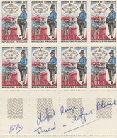 FRANCE  VARIETE  No 1362  CHIFFRES ROUGES TENANT A NORMAL - Curiosities: 1970-79 Mint/hinged