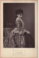 PHOTOGLYPTIE DE L'ARTISTE LINDA VERS 1870 - Beroemde Personen