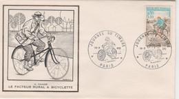 JOURNEE DU TIMBRE. 18.03.72. FRANCE. LE FACTEUR RURAL A BICYCLETTE. ILLUSTRATEUR. A OTTO. PIPE. POSTE. CHAPEAU.....T4502 - Altri