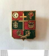 INSIGNE  GUERRE 1939 - 1945 : SERVICE DES ESSENCES  DE LA 1 ° ARMEE  --- FABRICATION : (AUGIS) NON MARQUE - Army